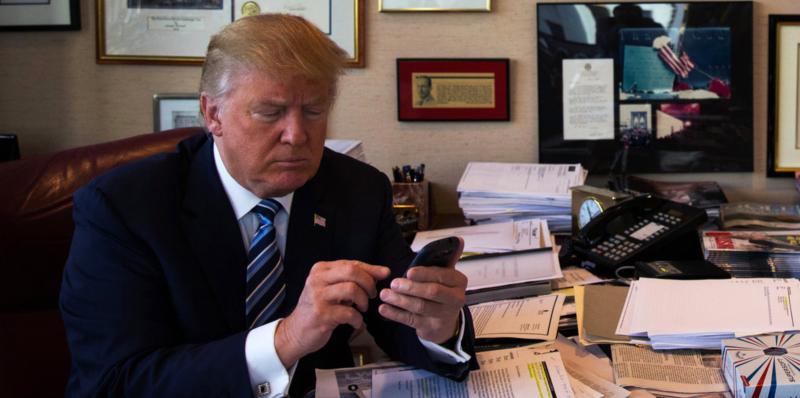 trump-texting